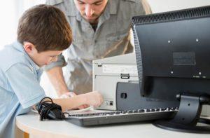 Почему принтер выключается сам по себе?