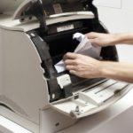 Принтер жует бумагу: причины на входе и на выходе